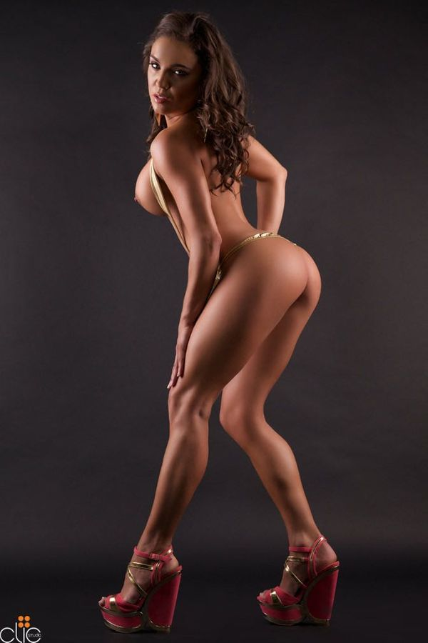 Luciana Picture 6